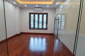 Bán nhà mặt phố, lô góc tại phố Chùa Quỳnh cách BV Thanh Nhàn 3 bước chân DT 30m2. Giá 5 tỷ