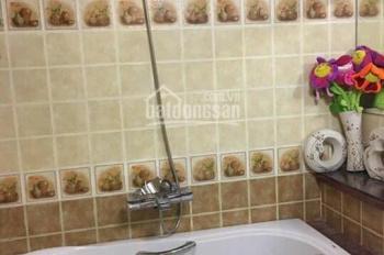 Cho thuê gấp căn hộ Central Garden, đường Võ Văn Kiệt, Q.1, 80m2, 2 phòng ngủ, 2WC nội thất cao cấp