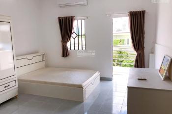 Cho thuê phòng như hình, full nội thất có ban công, gần ngã tư Bảy Hiền. LH 0345.533.448
