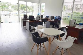 Cho thuê nhà nguyên căn mặt tiền làm văn phòng, diện tích 530m2 (hình thật). LH 0916097839