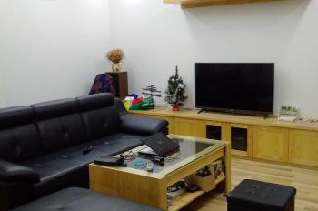 Cần tiền bán căn hộ tầng 8, DT 88m2 tòa HH2B Gia Thụy 2,6 tỷ, full nội thất, LH 0901 964 l62