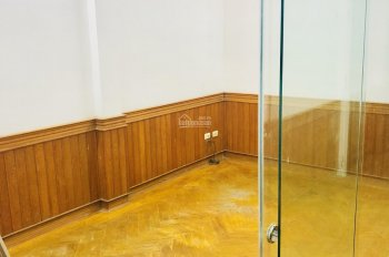 Cho thuê văn phòng 20m2, full nội thất, Đống Đa, vào làm việc ngay, LH: 0988904826