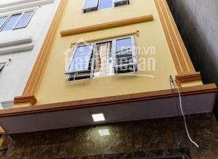 Cho thuê nhà Văn Cao, P. Liễu Giai, Q. Ba Đình, TP. Hà Nội, 4 tầng, 14 tr/th ô tô đỗ cửa