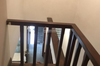 Cho thuê nhà lô góc phố Đốc Ngữ, Ba Đình, Hà Nội, DT 65m2, 6 tầng, giá 35 tr/th, LH 0988.467.186