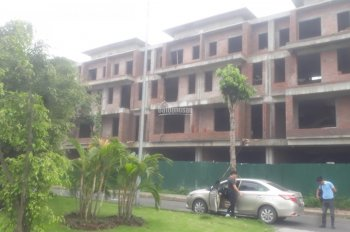 Nhà phố kinh doanh vị trí số 1 Gia Lâm, Hà Nội, giá từ 44tr đến 59,5 triệu/m2: 0983213453