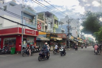Bán gấp nhà MTKD đường Thạch Lam, P. Phú Thạnh. - DT: 10x20m nở hậu 12m, đúc 1 lầu sân thượng