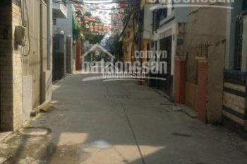 Chính chủ bán nhà nát Bến Vân Đồn 61m2, gần mặt tiền nở hậu đều cực đẹp, hẻm gần 3m, giá 6,3 tỷ