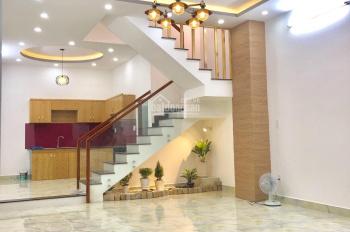 Nhà mới 1 trệt 2 lầu, 3PN, 3WC căn góc 2 MT đường Lã Xuân Oai, dự án Nam Khang, giá chỉ 3.95 tỷ tl