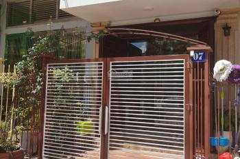 Gia đình cần tiền bán gấp căn nhà 4 tầng, mới xây hơn 1 năm, ngay TT Bãi Cháy, LH 0929052891