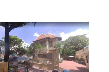Cho thuê biệt thự góc 3 mặt tiền Trần Quốc Thảo - Võ Thị Sáu - Trần Quốc Toản, Q3. (24x28m)