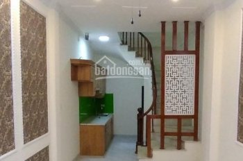 Bán nhà đẹp, không gian thoáng đãng - 35m2 * 5 tầng mới * 2.75 tỷ - phố Trương Định, Hoàng Mai