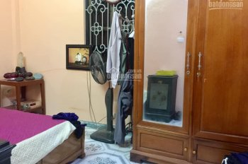 Bán nhà rẻ nhất Ba Đình tặng đồ đẹp 50m2, giá 4.8 tỷ, LH 0855716266
