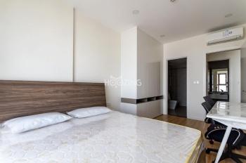 Cần cho thuê căn hộ 2PN tại Saigon Royal Residence, Quận 4. Giá 27,6tr/tháng. Miễn phí dịch vụ