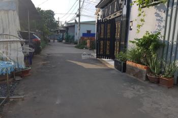 Nhà cấp 4, đường xe hơi, đường Gò Cát, P. Phú Hữu, Q9