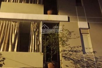 Cho thuê nhà tại Linh Lang phù hợp làm căn hộ dịch vụ, nhà nghỉ, spa, văn phòng