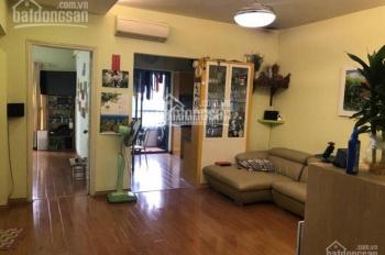 Chính chủ cần bán gấp căn hộ chung cư FLC Lê Đức Thọ, DT 153m2, 3PN, 2WC, căn góc. LH 0988.912.298