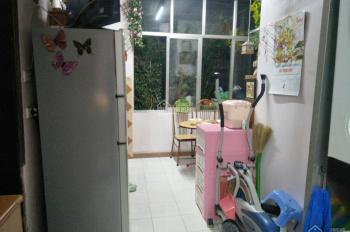Bán gấp căn hộ tập thể 40m2 E1 Bách Khoa, Tạ Quang Bửu, giá 1,3 tỷ