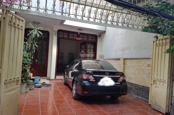 Cho thuê nhà 100m2 x 4 tầng, sân rộng để ô tô ngõ Trần Quang Diệu