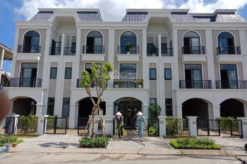 Nhà phố, biệt thự ven Sông Vàm Cỏ, khu đô thị Lavilla TP. Tân An, giá chỉ 1 tỷ 650. LH: 0917129839
