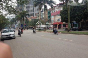 Cho thuê nhà mặt phố Nguyễn Khuyến Văn Quán, 100mx5t, giá 30tr. LH 0987 413 558
