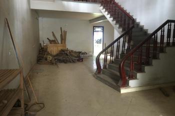 Cần bán nhà DT 246m2, kinh doanh đỉnh, mặt phố TT trấn Chũ, Bắc Giang
