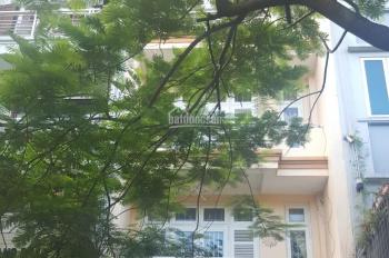 Cho thuê nhà phân lô Trung Kính đôi, nhà 75m2, 4 tầng đẹp đường rộng 15m, giá 35tr/th LH 0984408805