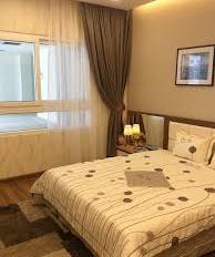 Chính chủ cần bán gấp chung cư, Oriental Plaza, DT 83m2, 2PN, 2.4tỷ, view thoáng, LH 0901416964