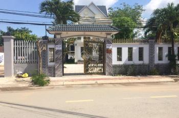 Biệt thự sân vườn cây xanh 15x33m, mặt tiền nội khu Bà Điểm 4, gần chợ Bà Điểm, Hóc Môn