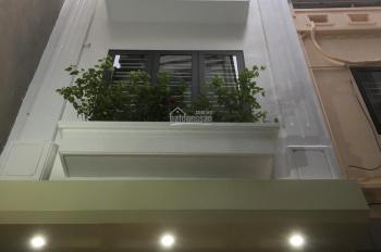Bán gấp nhà đầu phố Trương Định, DT 50m2 x 5 tầng xây mới