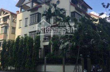 Cho thuê nhà biệt thự mặt đường Trương Công Giai. Diện tích 220m2 xây  120m2 x 4 tầng, mặt tiền 10m