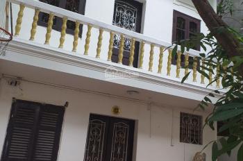 Cho thuê nhà riêng Hoàng Đạo Thành - Nguyễn Xiển, 200m2, xây dựng 80m2 x 2 tầng, MT 8m - 12 tr/th