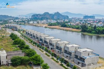 Bán gấp biệt thự ngay trung tâm TP Đà Nẵng, mặt tiền sông nhìn thẳng ra biển, phong thủy tốt