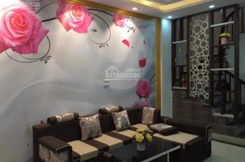 Cần bán gấp nhà phố Nguyễn Chí Thanh, 33m2 x 5 tầng, cách mặt phố 70m