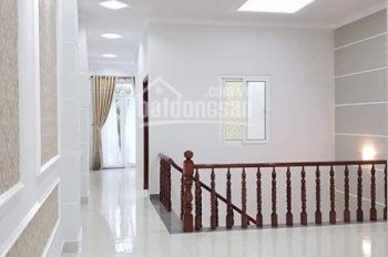 Cho thuê nhà mặt tiền đường Trần Văn Hoài, nhà 1 trệt, lửng, 2 lầu, đoạn gần Vincom Xuân Khánh