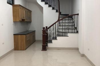 Nhà mới diện tích đất 30m2 x 4,5tầng, tại ngõ 640 đường Nguyễn Văn Cừ, phường Gia Thụy, Long Biên