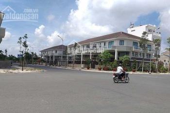 Bán gấp 2 lô đất liền kề MT Nguyễn Văn Cừ,  giá 900tr, sổ riêng, TC 100% LH 0903432484