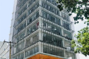 Cho thuê tầng trệt, góc 2 mặt tiền Nguyễn Đình Chiểu/Phan Kế Bính, Q1: 20m x 26m xây 15 lầu