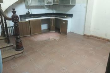 Cho thuê nhà riêng phố Hồng Hà - Bạch Đằng 30m2 x 5T, 3 phòng ngủ, giá 7.5tr/th