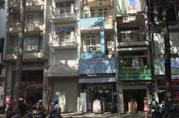 Bán gấp nhà mặt tiền đường Nguyễn Tri Phương, Quận 10. Nhận ngay 100 triệu/tháng, vị trí tuyệt đẹp