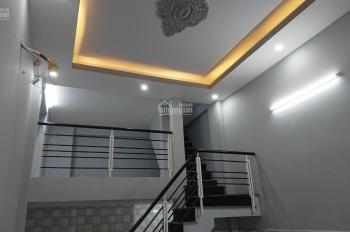 Bán nhà mặt tiền Đoàn Văn Bơ, DT 31m2, 1 trệt, 1 lửng, 2 lầu, sân thượng, giá 3,95 tỷ