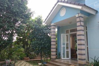 Cần bán biệt thự nhà vườn xã Xuân Thới Sơn DT 6.415m2, có 300m2 thổ cư còn lại là đất trồng cây