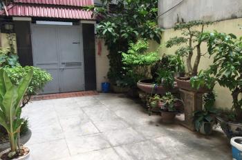 Bán nhà đẹp có sân vườn trên DT thành phố phân lô 80m2