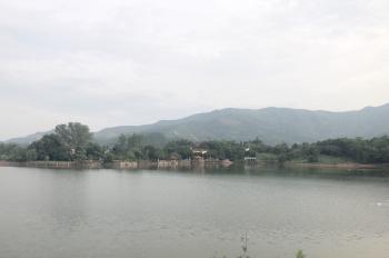 Bán 6.500m2 đất sổ đỏ có 800m2 đất xây dựng nhà ở bám Hồ Miếu, liền kề dự án