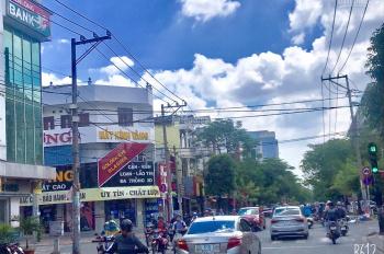 Bán Nhà MT đường Tân Sơn Nhì, Q Tân Phú. DT 9x22 nhà 4 lầu, thang máy, đang cho thuê 100 triệu