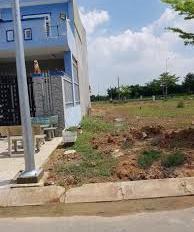 tôi cần bán 150 m2 đất thổ cư giá cả phù hợp 9 triệu/m2 gần Khu Công nghiệp Vĩnh Lộc:0944882053