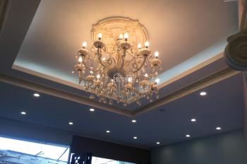 Cho thuê nhà mặt phố Bà Triệu, 165m2 x 6 tầng, MT 5m, thuê 7500$, LH 0944093323