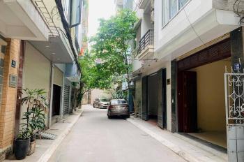 Cho thuê nhà mặt phố Trần Xuân Soạn, 140m2 x 4 tầng, MT 20m, thuê 9000$, LH 0944093323