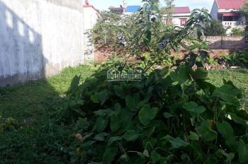 Bán lô đất gần Làng Việt Kiều, cách mặt đường Khúc Thừa Dụ 2 20m, ngõ ô tô. LH: 0979039028