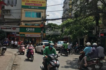 Cho thuê nhà mặt phố Bùi Thị Xuân. Diện tích 200m2 x 3.5 tầng. Mặt tiền 6.5m. Phù hợp nhà hàng.