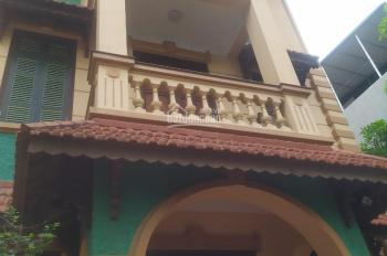 Cho thuê nhà biệt thự kiểu Pháp tại Đào Tấn, gần ngay tòa nhà Lotte